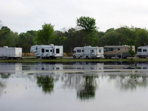 Poche 39 s rv park fish n camp passport america camping for Fishing bridge rv park