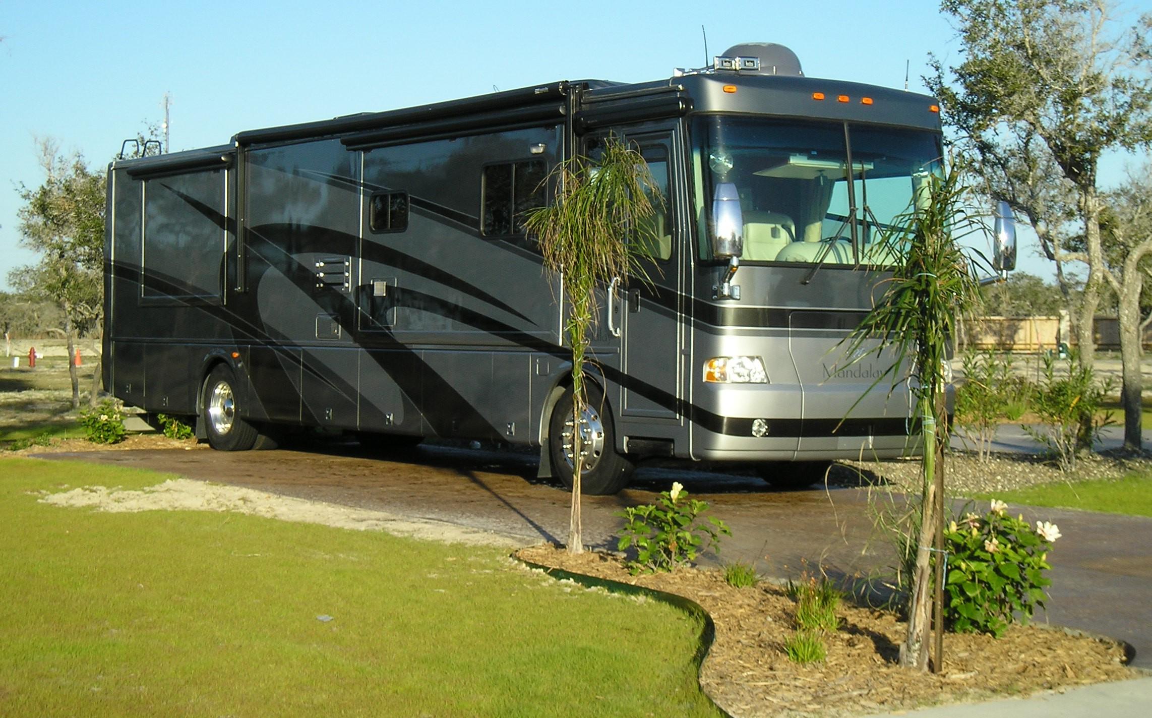 Luxury rv exterior - Southern Oaks Luxury Rv Resort